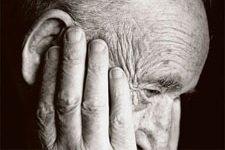 Ботинки со встроенным GPS-передатчиком не дадут потеряться больным Альцгеймером