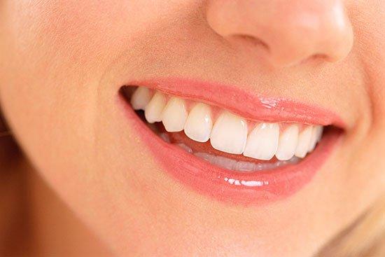 Украинцев приглашают бесплтно вставить зубы