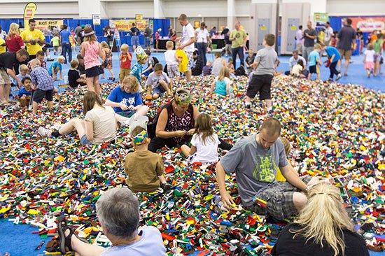Конструктор Лего: как появился легендарный игрушечный бренд?