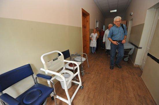 Запорожская горбольница № 2 получила благотворительную помощь из США