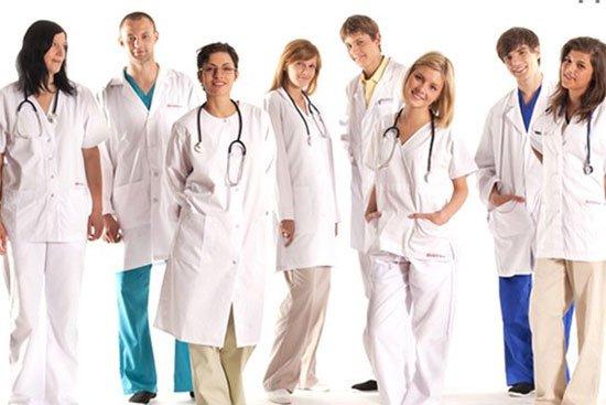 Медицинская одежда: выбираем правильно