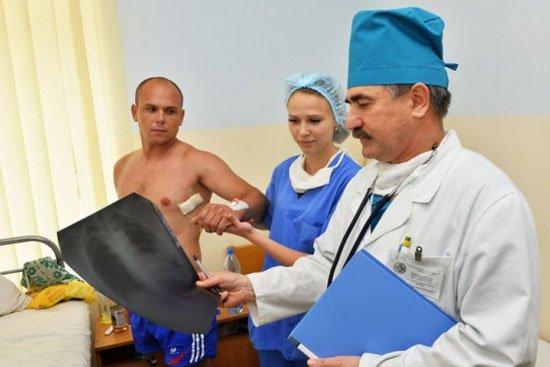 Работники Запорожского противотуберкулезного диспансера №1 помогли военнослужащим