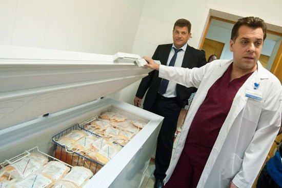 В Запорожской областной больнице установлен новый холодильник для хранения плазмы