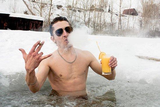 http://neboley.zp.ua/uploads/posts/2015-01/1420642466_kupanie-na-kreschenie.jpg